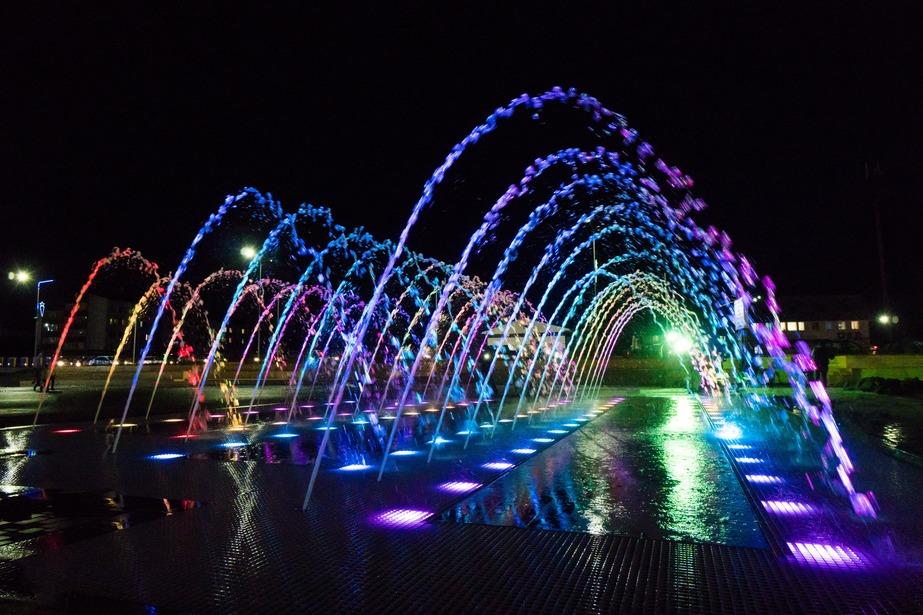 Пешеходный фонтан Арки