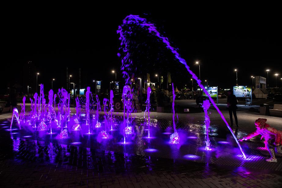 Пешеходный фонтан ТЦ Мега