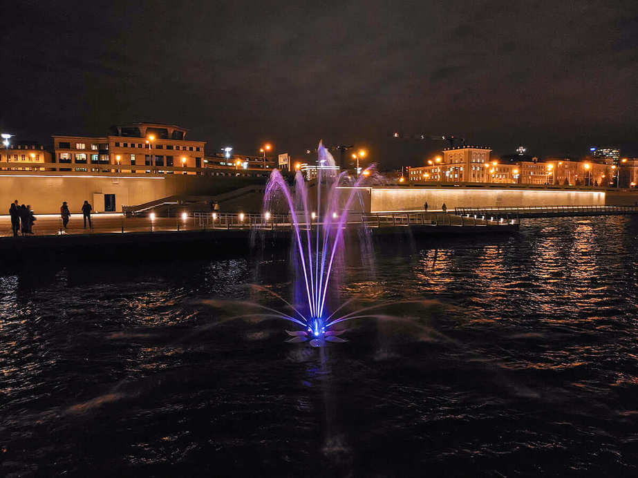Плавающий фонтан Казань