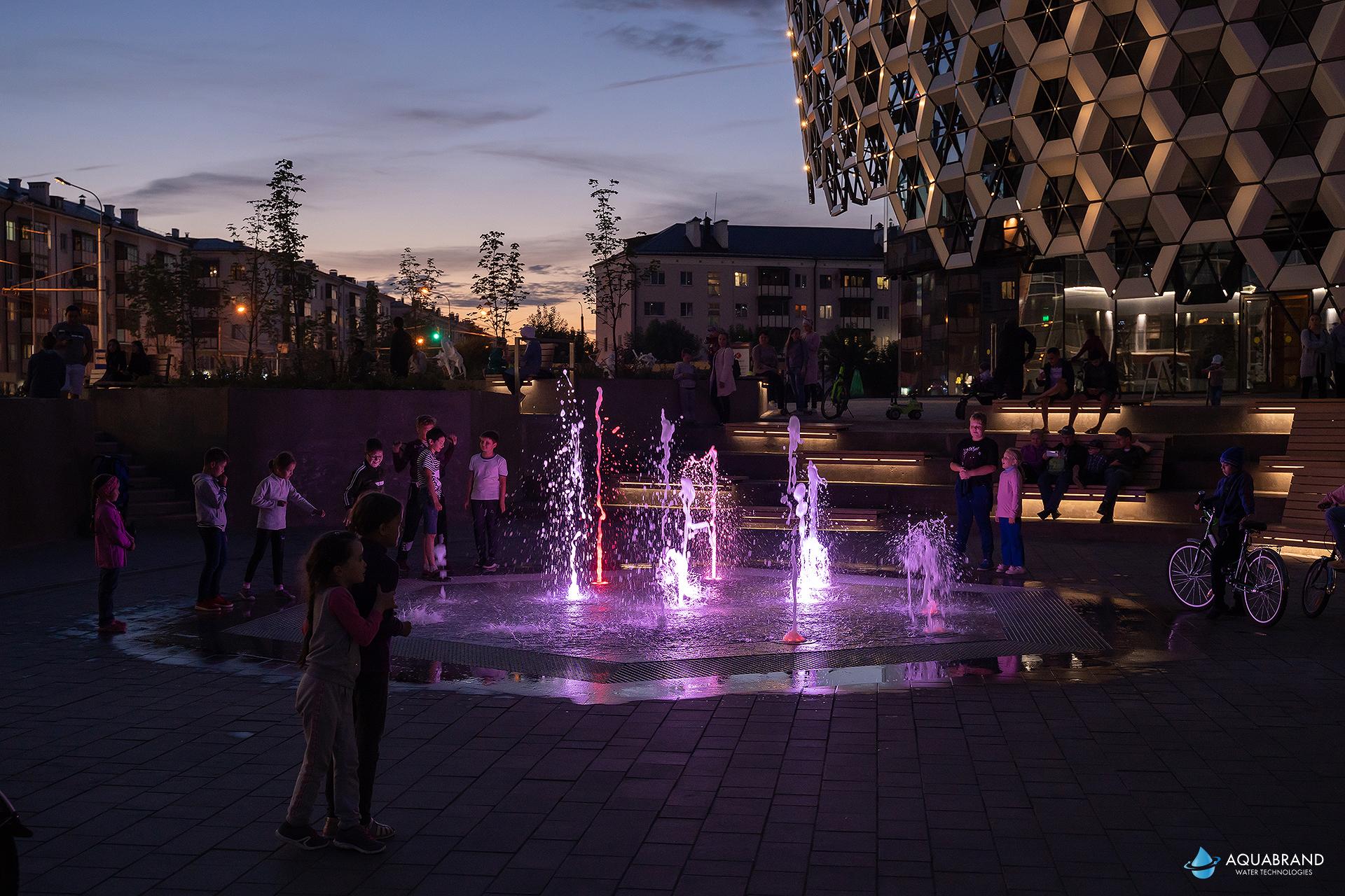 Светомузыкальный фонтан возле KazanMall