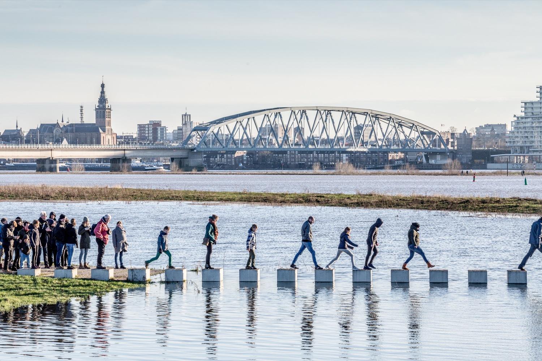 Затопляемый мост в Нидерландах. Ездить нельзя, ходить — можно.