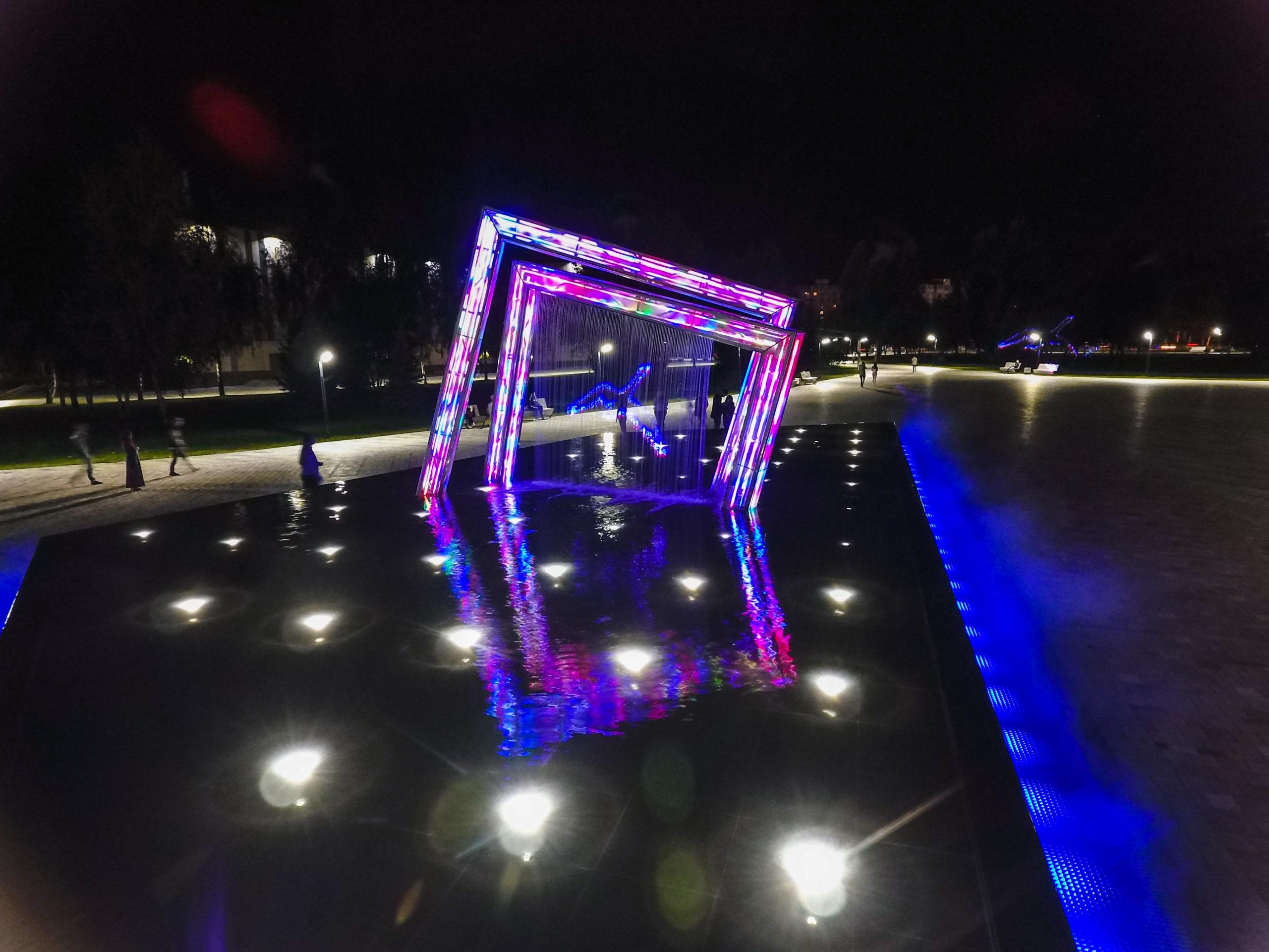 Креативный фонтан Абстракция